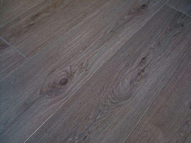 Lifestyle Chelsea Boardwalk Oak 8mm V groove Laminate Flooring