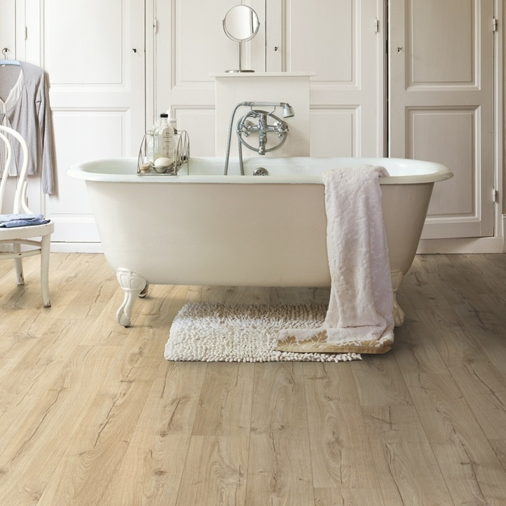 laminate in bathroom Classic oak beige
