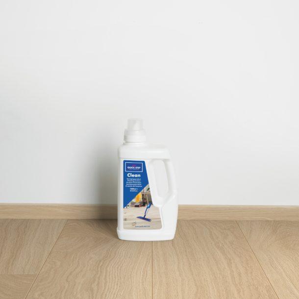 Quick-Step Clean Dedicated Laminate, Vinyl & Wood Floor Cleaner – 1.0 L bottle
