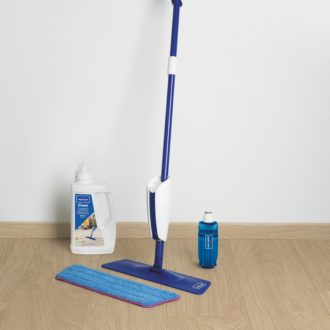 Quick-Step Spray Dedicated Wood, Vinyl & Laminate Floor Cleaning Kit Mop & 1ltr Cleaner – QSSPRAYKIT