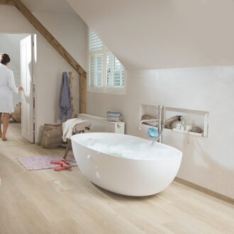 Quick-Step Alpha Sea Breeze Oak Beige AVMP40080 Rigid Vinyl Medium Planks