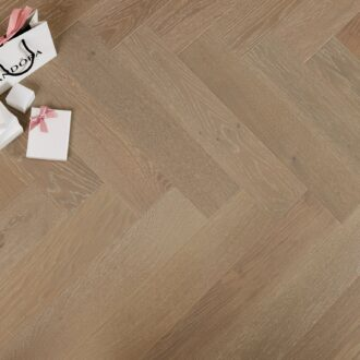 Benton Select Grade Herringbone 15/4 x 120 x 600 mm Multi-ply Oak