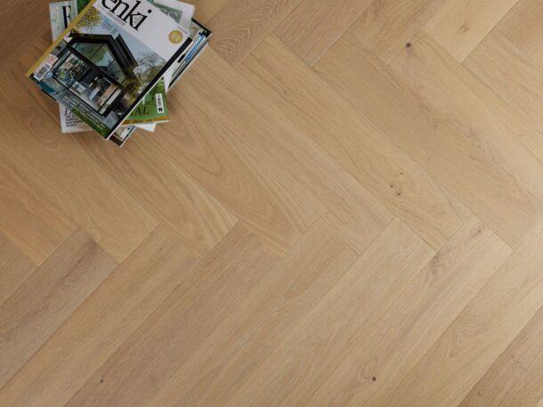 Apsley Select Grade Herringbone 15/4 x 120 x 600 mm Multi-ply Oak