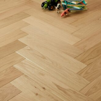 Witley Select Grade Herringbone 15/4 x 120 x 600 mm Multi-ply Oak