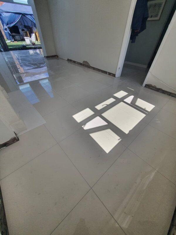 floor tiling company