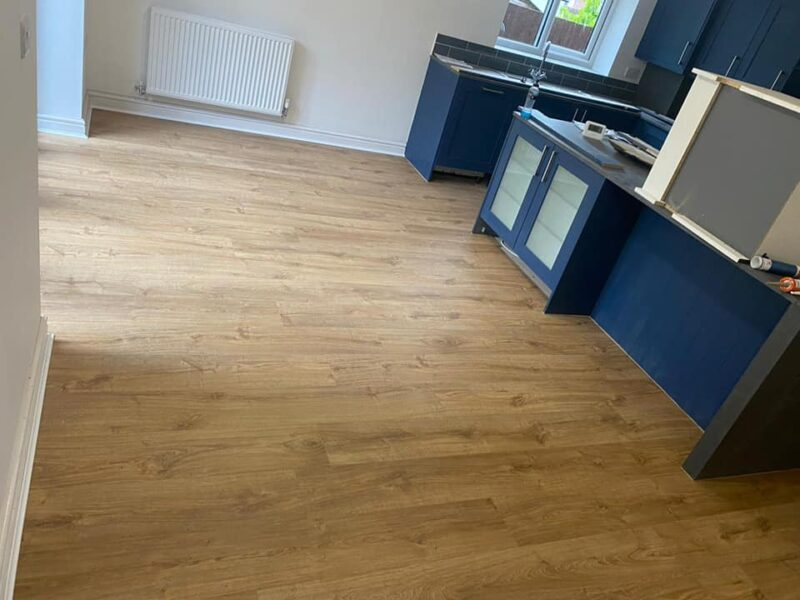 quickstep lvt in dining room area