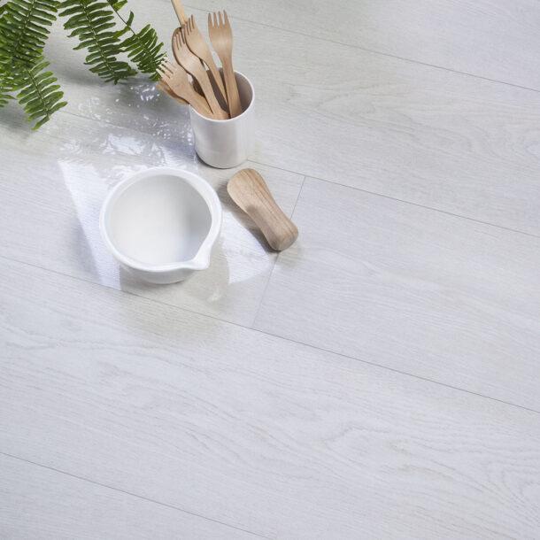 Candlewood 20×120 Blanco Gloss Porcelain Wood Effect Floor Tiles